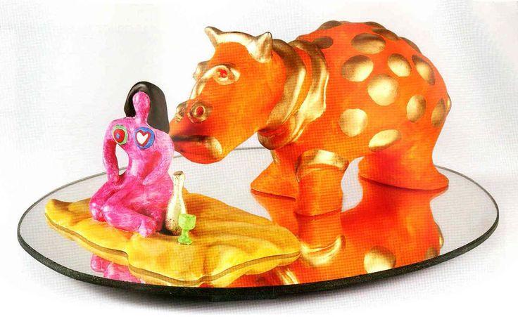 Niki De Saint Phalle - Dejuner sur l'herbe; Tecnica: resina e superficie a specchio Dimensioni: 13 x 36 x 28 cm Data: 1993 Firma: specchio ID: 878