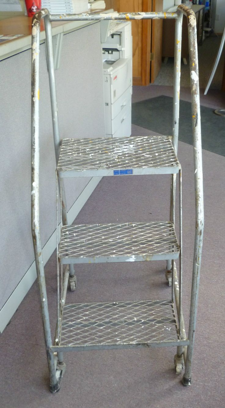 Best You Are Buying One Used 3 Step Ballymore Rolling Ladder 400 x 300