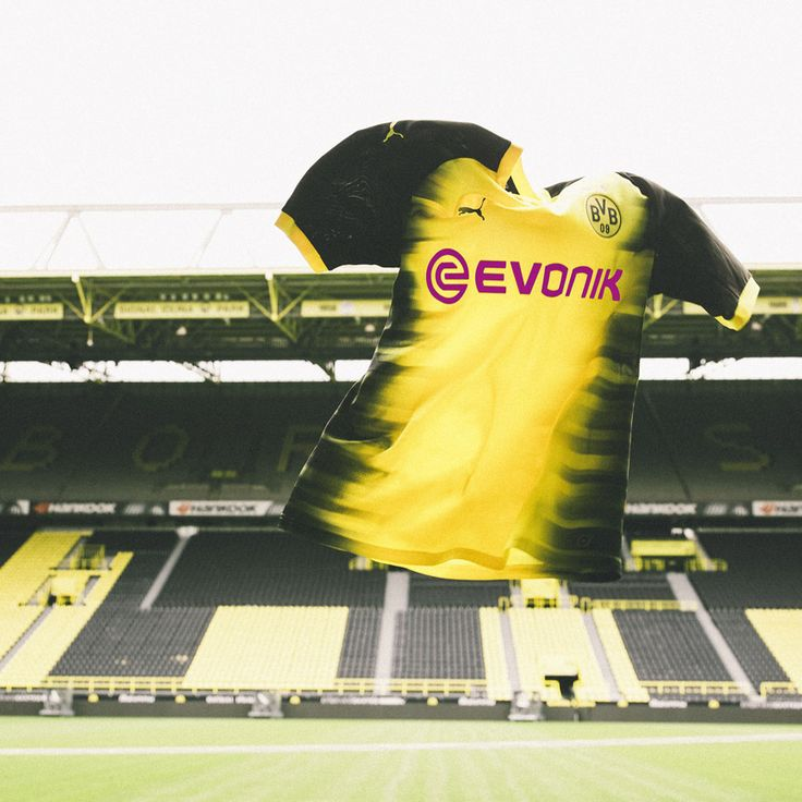 Puma Borussia Dortmund UCL Soccer Jersey (Home 17/18): http://www.soccerevolution.com/store/products/PUM_40291_A.php