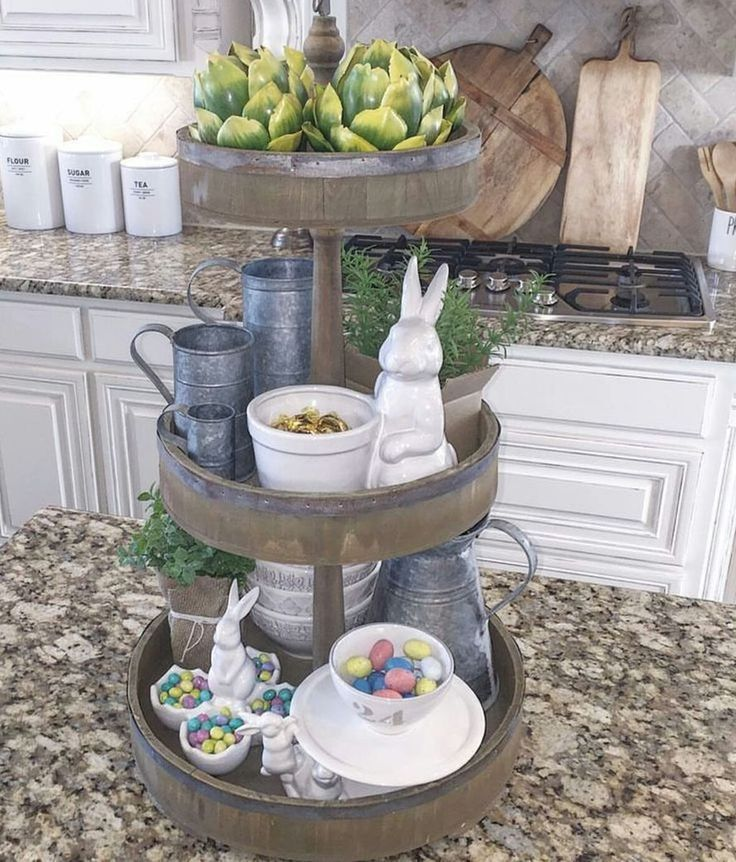 Nice 88 Charming Vintage Easter Décor Design Ideas. More at http://www.88homedecor.com/2017/12/09/88-charming-vintage-easter-decor-design-ideas/