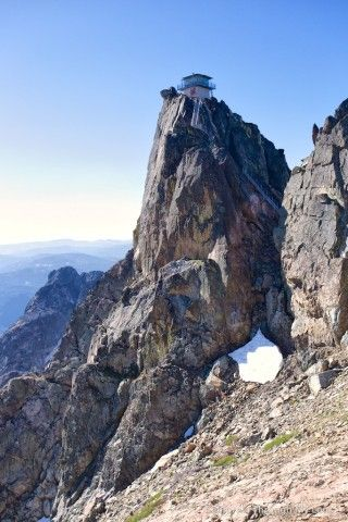 Sierra Buttes Fire Lookout Hike: A Historic Lookout ...