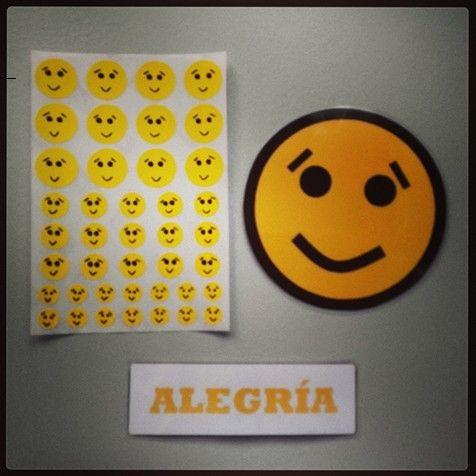 Pictogramas de emoticones y stickers : Alegría.