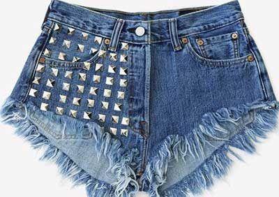 shorts jeans desfiados com spikes