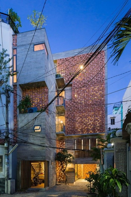 Gallery of Chi House / G+ Architects - 11