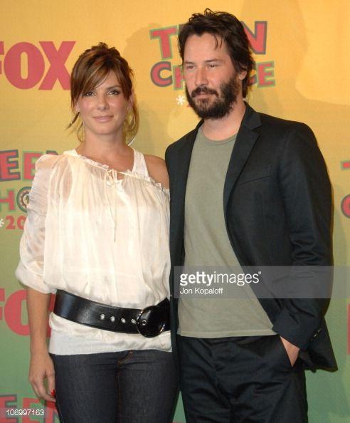 Sandra Bullock and Keanu Reeves winners Choice Liplock for 'The Lake House'