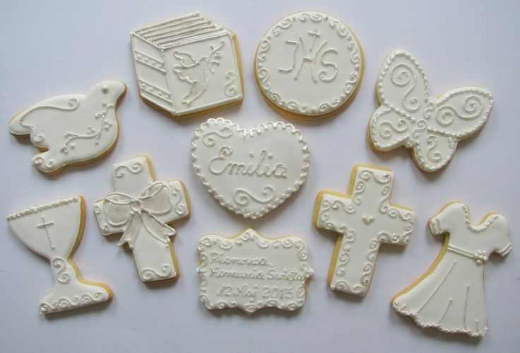 communion girl cookies in silver