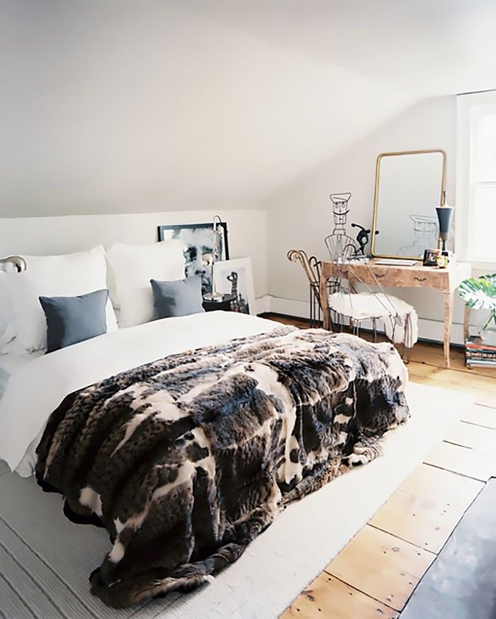 5 Small Bedroom Hacks You Never Thought to Try via @MyDomaine