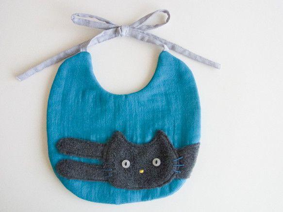ご好評いただいている「ネックウォーマー:nobineko」のクールな猫ががスタイで登場。男の子にもかわいい色とデザインです。裏にはうーんと伸びた後ろ姿。時々、...|ハンドメイド、手作り、手仕事品の通販・販売・購入ならCreema。