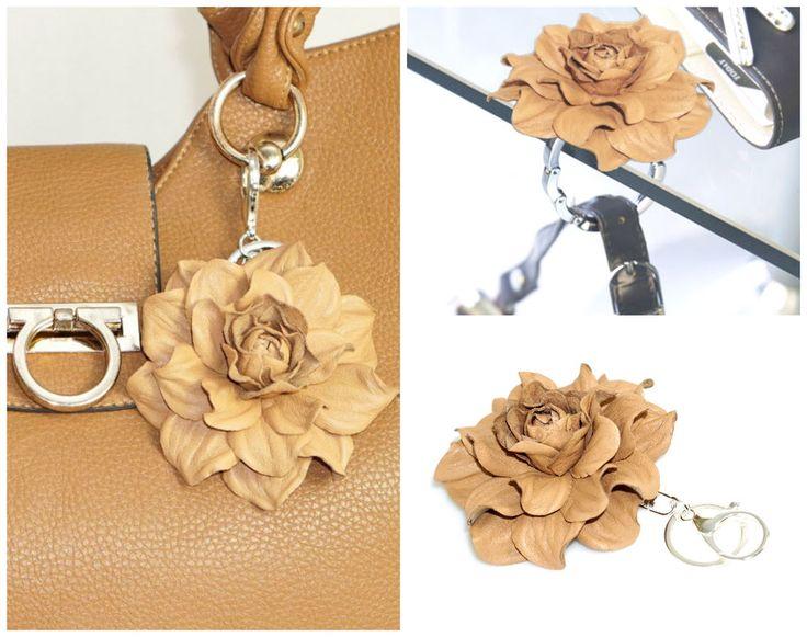 2 In 1: TABLE BAG HANGER HOOK + BAG CHARM   Flower Purse Pendant, Handbag  Holder