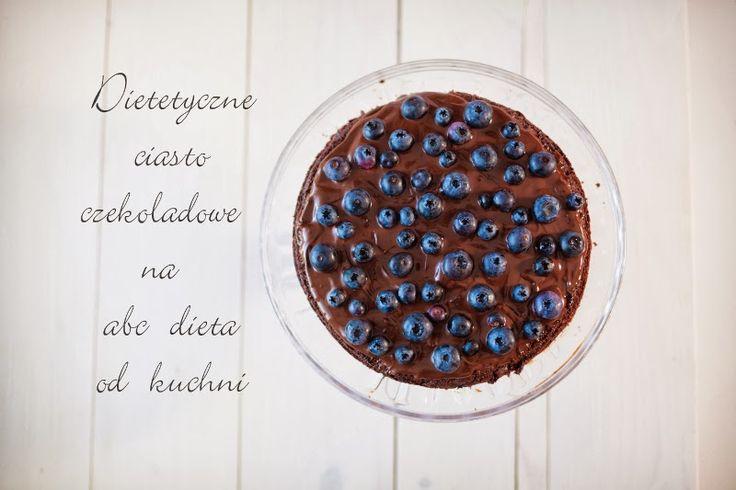 Dla wszystkich miłośników czekolady i czekoladowych słodkości przedstawiam ciasto czekoladowe. Wyjątkowe, bo kryje w sobie buraki. Są nie w...