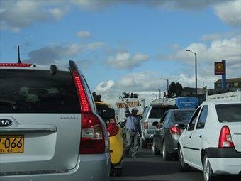 Gobierno modificó restricción vehicular para este puente festivo.-La medida busca agilizar la movilidad de los colombianos a sus lugares de origen.