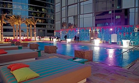 Drinks at The Dek on 8, Media One Hotel, Dubai