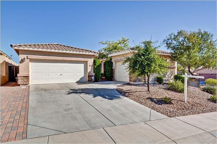 $420000 - Phoenix AZ - Nestled In and Surrounded by Mountains Single Story Home #phoenixrealestate @emailflyers