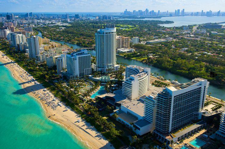 Майами это город-курорт. Курорт не только Флориды но и США в целом. Пляж, дорогие отели, девушки в бикини, голливудские звёзды и всё что мы подразумеваем под Майами это совсем другой город - это Майами-бич.