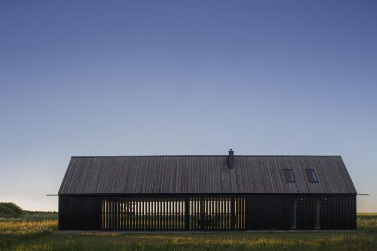 Gotland Summer House / Enflo Arkitekter + DEVE Architects  The screening over the windows