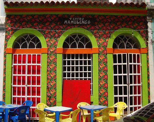 Chita na Fachada by Santinha - Casas Possíveis, via Flickr