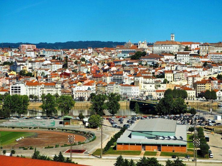 世界遺産に登録されているコインブラ大学があることで知られる、ポルトガル第3の都市コインブラ。新サンタ・クララ修道院