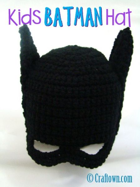 FREE Batman hat pattern - make sure to click onto the print button on the left, otherwise you have to read it from page to page. Love this idea!!