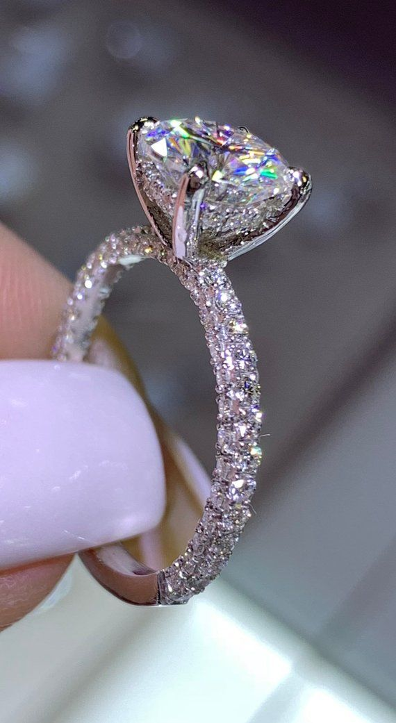 Diamant en or blanc 14 carats sous Halo Alliance w / rond brillant pour toujours une Moissanite bague de fiançailles bague anniversaire anneau de promesse