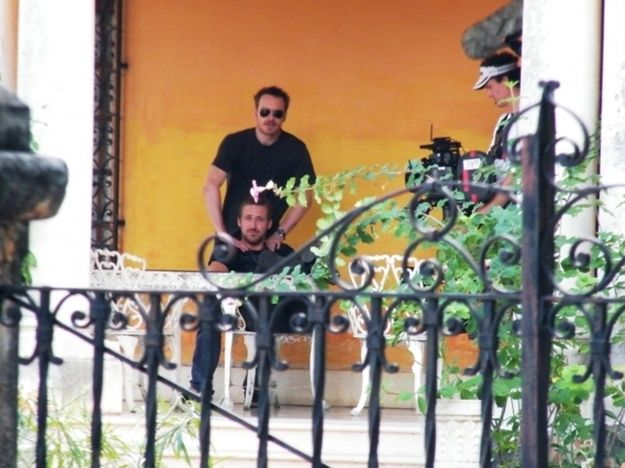 Here Is Michael Fassbender Massaging Ryan Gosling —it's TOO MUCH! I'm not worthy!!