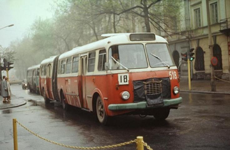 Krakowskie Przedmieście(ok.1980).Jeden z pięciu przegubowych autobusów ,które jeździły po Lublinie.