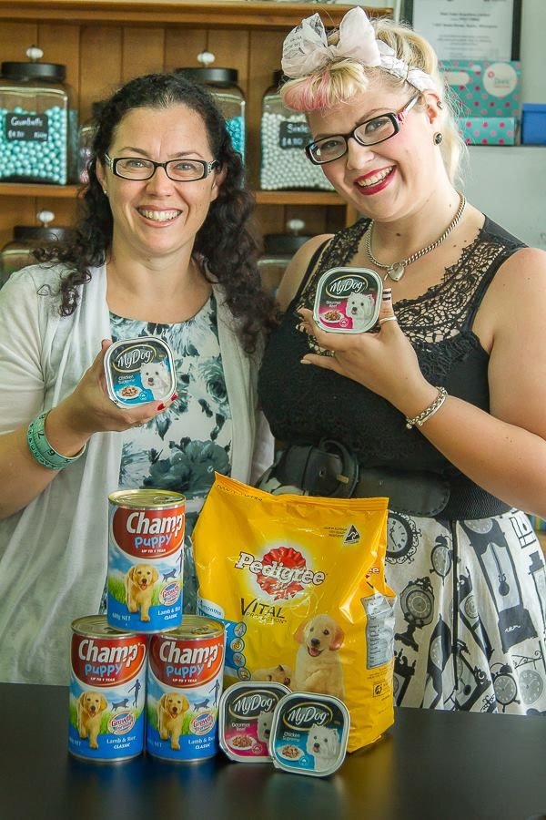 Miss Glamour La Rue dropped by with a pet food donation for our Whangarei branch SPCA support month April 2015