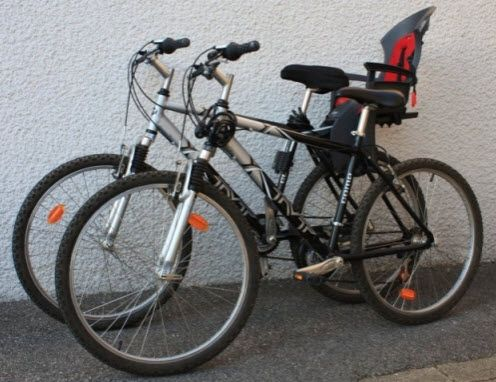 #Location 1 des 2 Vélo est équipé d'un porte bébé allant jusqu'à 20kg (env 4 ans).câble antivol inclus pour les 2 vélos et porte vélo ajustable à votre voiture. Location VTT Homme à Beaumont (74160) _ www.placedelaloc.com/location/sport-loisirs/velo-vtt