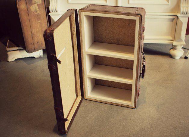 Regal in Vintage Koffer // shelf in vintage suitcase by Stattfein via DaWanda.com