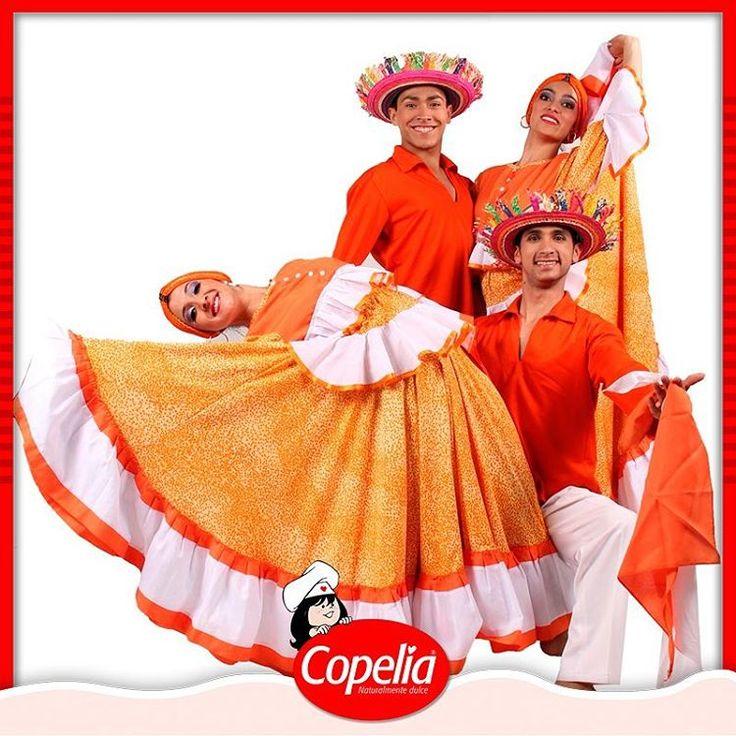Las fiestas de corralejas son tradición Colombia como #Copelia. Se llevan a cabo cada año en Sincelejo entre el 10 y el 20 de enero. Estas celebraciones se complementan con eventos como el reinado popular, el desfile de fandangueras y el desfile 'Veintenerito', en el que los niños montan por la ciudad en caballitos de palo. www.alimentoscopelia.com  #Panelitas #Coco #Copelia #Arequipe #Dulce #Cocadas #AmoACopelia #NosGustaCopelia #Instagood #Instafood #DulceDeLeche #LecheCondensada #Postres…