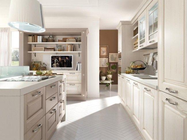 Küchenblock, Helles Holz Und Einer Kochinsel Mit Ofen Und Kochuntensilien