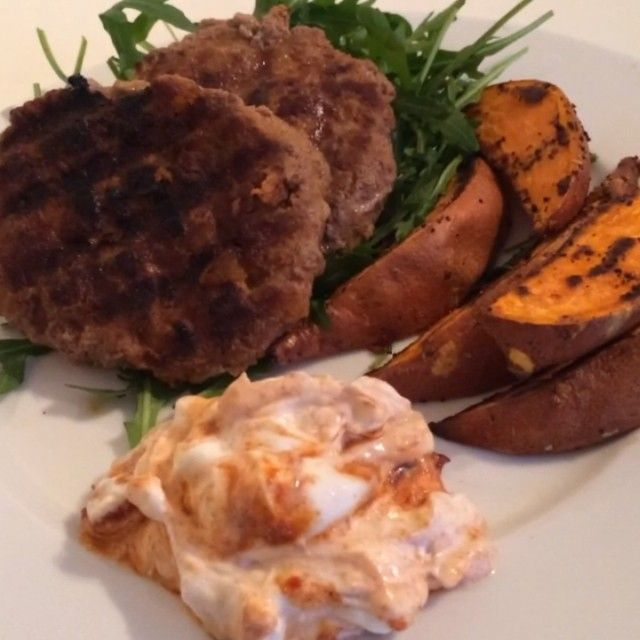 """""""Team Lean Moroccan lamb burgers with sweet potato wedges & Harissa yogurt!  ☺️ These are just too much. If you like burgers then this is the one for…"""""""