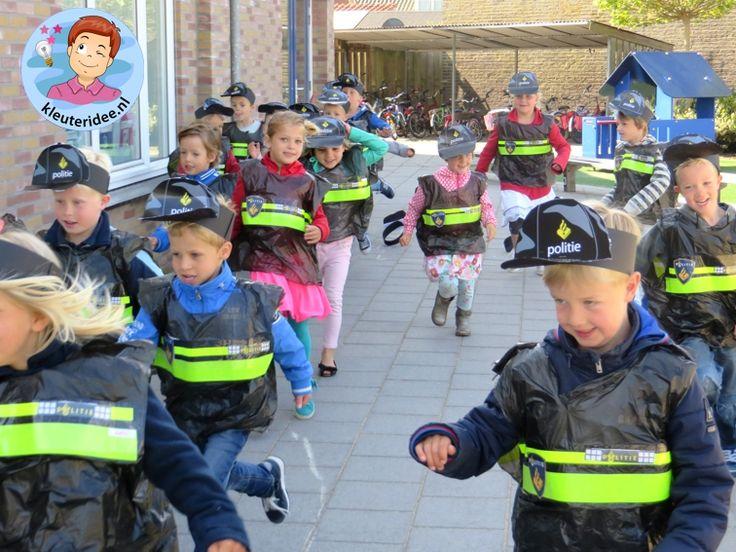 Cap en politiekleding voor kleuters, kleuteridee.nl, met gratis downloads, thema politie