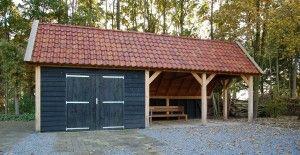 Kapschuur bouwen door de specialisten van Hout & Bouw Wereld. Kapschuren leverbaar in vele houtsoorten, stijlen en maten. Iedere kapschuur op maat.