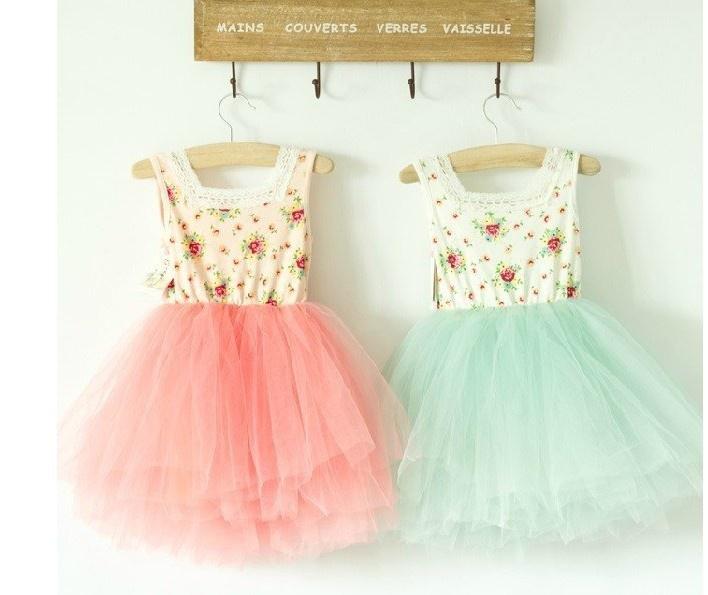 Blommig klänning med tyllkjol via House of Dreams.   www.houseofdreams.se