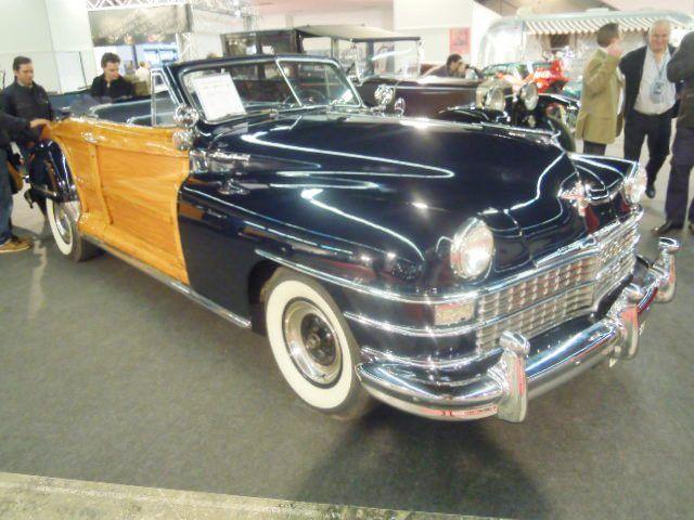 Chrysler Town and Country de 1948. Más de 5 litros para 135 CV. SOlo contaba con 3 velocidades.