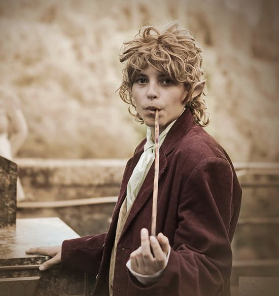 The Hobbit cosplay costume Bilbo Baggins from An Unexpected Journey with long pipe
