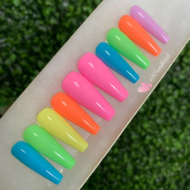 Colorful press ons in 2020 Fake nails french, Press on