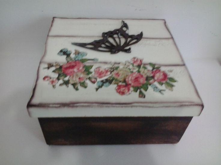 Caixa de MDF feita com muito AMOR by Artes da Mô #artesdamo