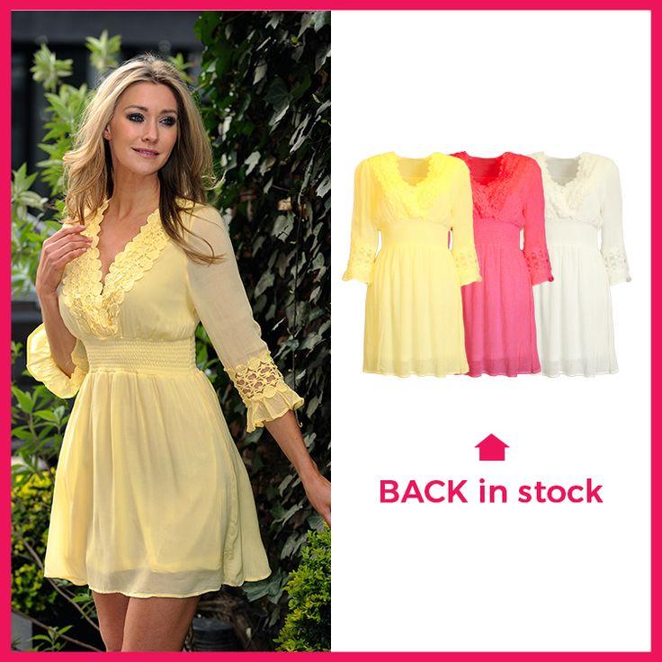 Deze jurk is net terug binnen en ook NIEUW binnen in het koraal rood, shop hem via https://www.bobotremelo.be/webshop/jurken/korte-jurken/gele-jurk.8338