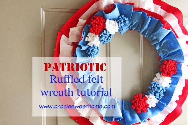 4th of July Ruffled Felt Wreath! {so cute!}