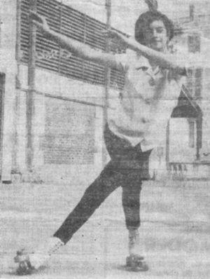 Ana Maria aos 14 anos, mesmo de férias em Niort - França, não deixava a patinagem artística.