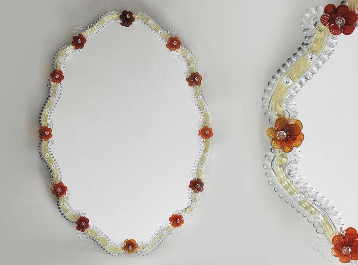 Italian art glass chandeliers: scopri la collezione Specchi veneziani! Art. MIR 130, preziosa sculture di luce per ogni location.