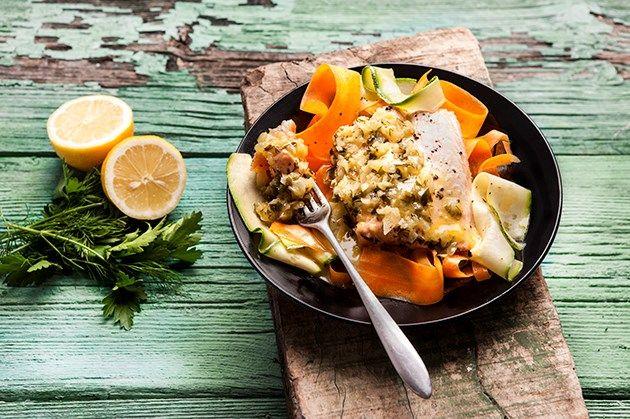 Σολομός σοτέ με ταλιατέλες λαχανικών (4.05.16)