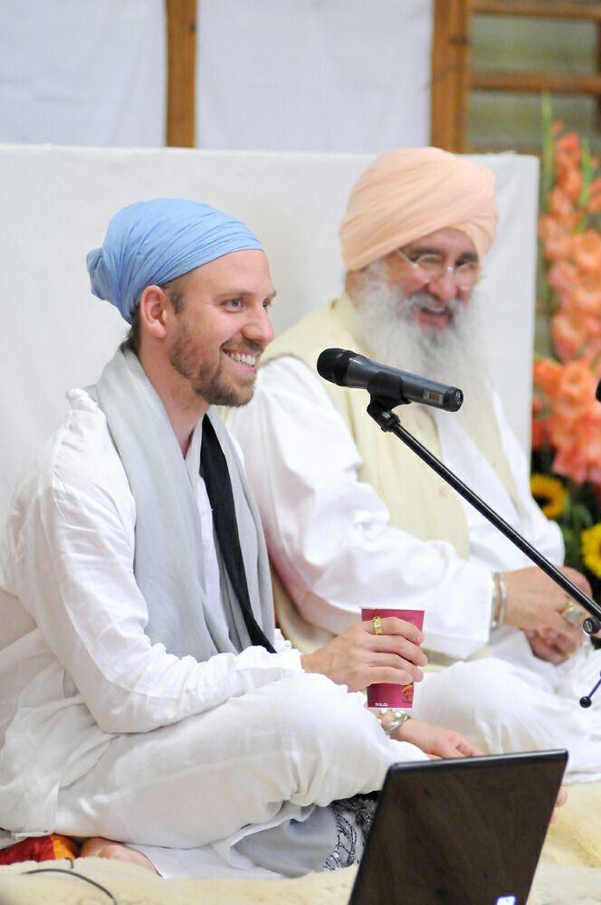 Guru Sven & Guru Dev teaching Sat Nam Rasayan