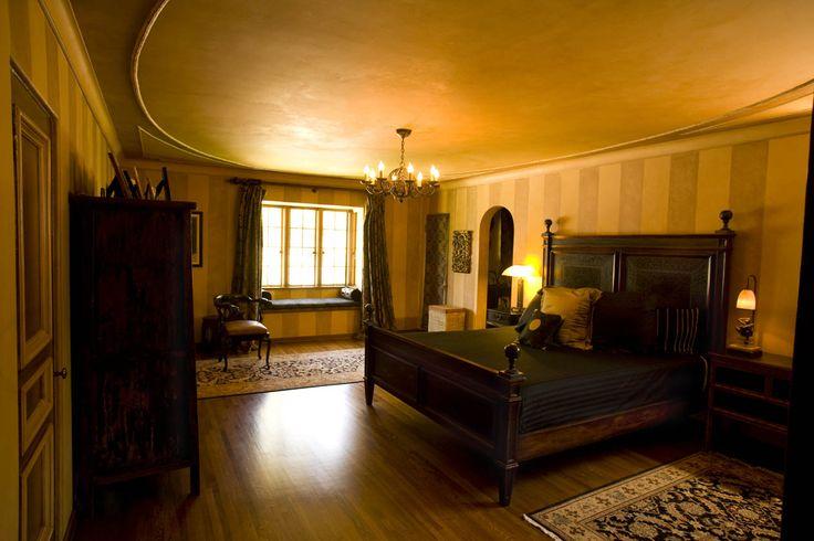 Kurtwood Smith's 1920s Revival - Celebrity Interior Designer, Kari Whitman. Custom, Green, Luxury Interior Designs for the Famous.