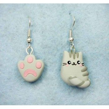 Pusheen + footprint,fimo, handmade,hecho a mano,polymer clay,earrings,pendientes,cat,gato,