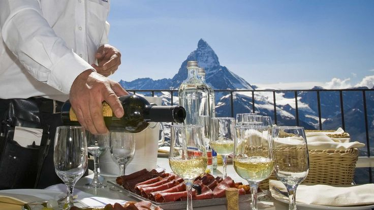 Los consumidores suizos gastaron 1.220 millones de euros en tiendas extranjeras | http://www.losdomingosalsol.es/20170319-noticia-consumidores-suizos-gastaron-1220-millones-euros-tiendas-extranjeras.html