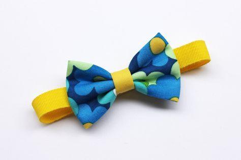 Papillon per bambino stampa floreale giallo e blu, farfallini per bambini,per ragazzi,cravatta cerimonia per paggetto matrimonio,cravattino di ScoccaPapillon su Etsy