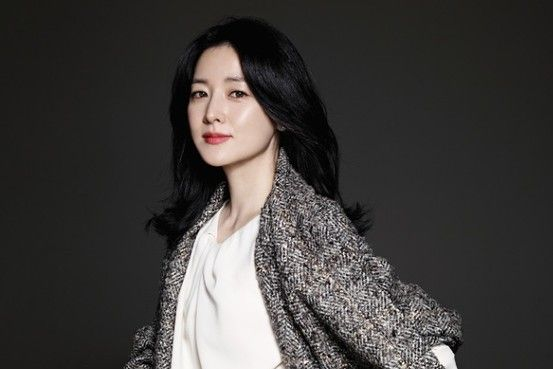 South Korean TV Star Lee Young-ae Opens New Shop - Scene Asia - WSJ