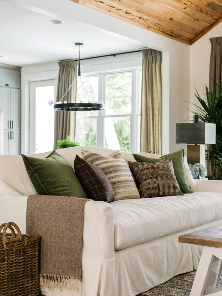 Accent Pillows In Hunter Green